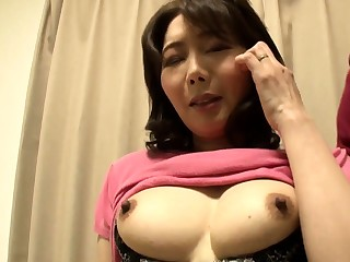 Sexy Japanese milf going to bed hardcore