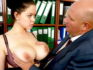 Big-breasted transcriber fucks her disgusting bigwig