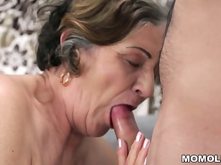 Old perishable pussy filled with young cock