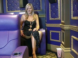 Sassy mature blonde Velvet Skye is finger fucking her wet cunt