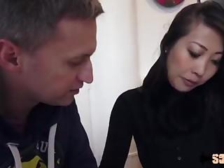 Bao Tran, bombe vietnamienne spécialiste de l'anal invasion - Sodomie a Repetition
