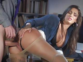 Milf gets laid forwards office with the far-out guy