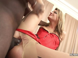Black clothes-horse shows his big black load of shit deep into her miserly asshole