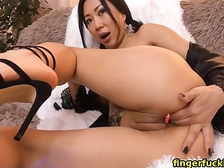 japanese stepmom fingerfucking hoochie-coochie live