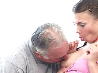Pigtailed Achilles' heel welcomes old friend's cock in tight asshole