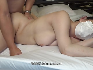 Japanese Mommy Gets Creampie With A Mask - 1080p