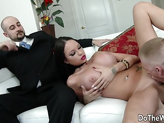 Cuckolding Wife Raven Cubby-hole Gets Pummeled