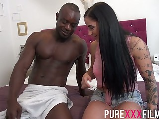 Busty English tattooed slut Kimmie Foxx takes BBC in twat be advisable for good doggy
