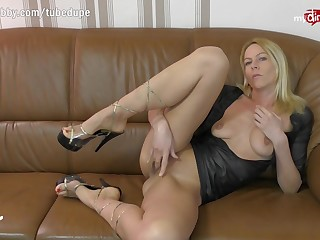 MyDirtyHobby - German MILF live anal cam simulate with double abstruseness bagatelle