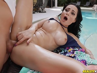 Oily outdoor anal sex forth brunette MILF Crystal Pounce upon