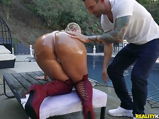 Massive botheration pornstar Julie Cash fucked by a large white dick