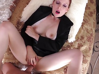 British MILF enjoys gumshoe with on the move POV action