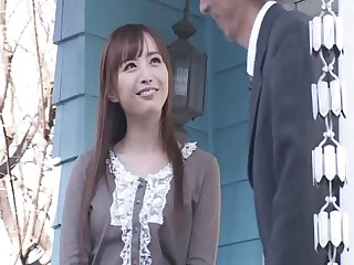 Flexible Japanese darling Yu Namiki spreads her long legs for mating