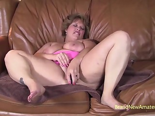 Chubby MILF Amateur Heather Blowjob Video