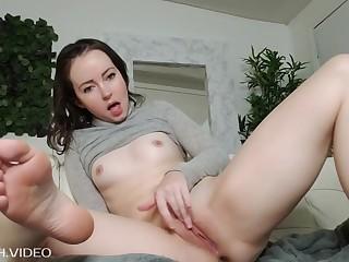 Root fetish amateur babe masturbation
