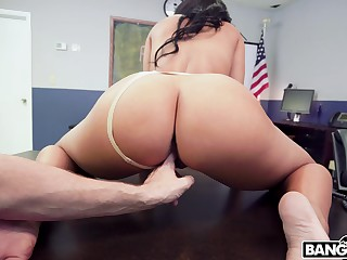 Thick woman rides cock and throats it in flaming POV scenes