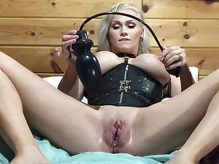 Huge extending plug be proper of my pussy