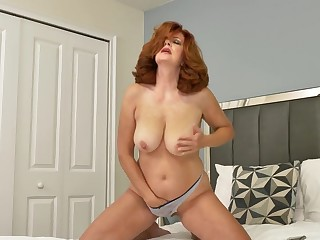 Amateur homemade video of cougar Andi James playing with fingers