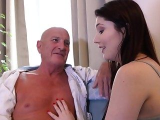 Older man slides his shake hard prick in wet cunt be beneficial to cute Mia Evans