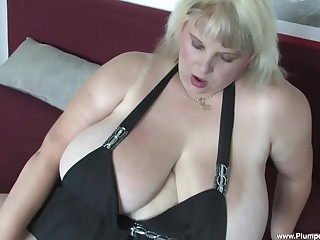 Solo BBW Juliana B. needs to moan while she plays with sex toys